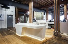 Bespoke Reception Desk Reception Desk With Lighting Fixture Recherche Google Idee