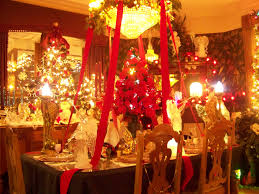 glamoruous red gold christmas dinner table decorations feats all