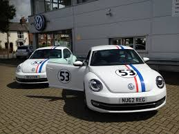 volkswagen beetle classic herbie vw aylesbury go bananas with the help of tring signs tring signs