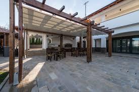 tettoie e pergolati in legno pergolati e tettoie permesso di costruire sì o no geometra info