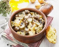 cuisiner les rognons de veau recette poêlée de rognons de veau aux chignons et lardons