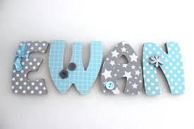 lettres pour chambre bébé plaque de porte prénom lettres en bois thème blue deco lettre