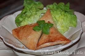 cuisiner le saumon frais samosas au saumon tout le monde à table