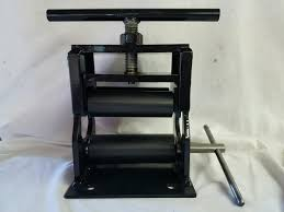 bat rolling prorollers announces its new patriot bat rolling machine with