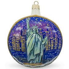 4 statue of liberty skyline at new york usa glass