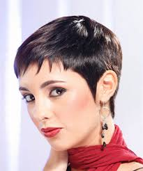 feather cut hairstyle 60 s style layered hair razor cuts and one length cuts