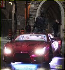 batman car lamborghini batman rides on the roof of the joker u0027s car in new u0027suicide squad