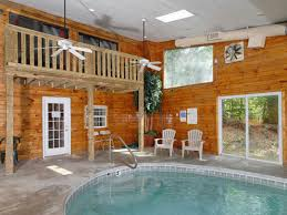 4 bedroom cabins in gatlinburg bird haven 4 bedroom 3 5 bathroom cabin rental in gatlinburg