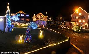 100 000 light spectacular every house in cul de sac is