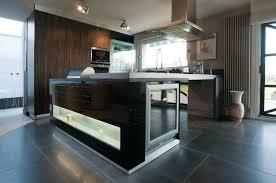 cuisine avec cave a vin vert cuisine mur avec ilot central avec cave vin kiisud idées de