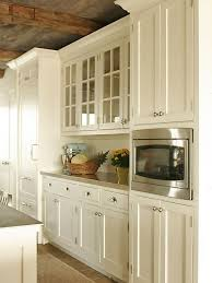 Kitchen Hardware For Cabinets by Best 25 Cream Kitchen Cabinets Ideas On Pinterest Cream
