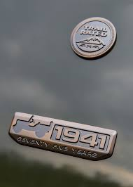 vintage jeep logo 2016 jeep lineup adds 75th anniversary edition for all models