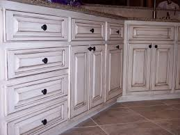 Diy Cabinet Makeover With Glaze by Best 25 Chalk Paint Kitchen Cabinets Ideas On Pinterest Chalk