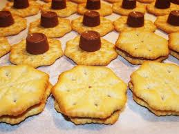 rolo ritz sandwich cookies craftycreativekathy