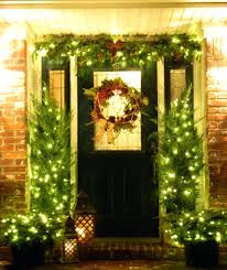 front door decorating for christmas decoration ideas spring winter front door decorating for christmas decoration ideas spring winter decorations image houses decorated home decor trends