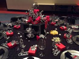 Christmas Decorations Red And Silver Christmas Tablescapes