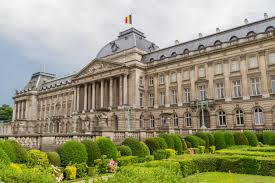 did you know that the brussels royal palace is bigger than