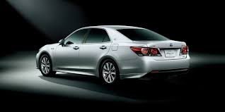 toyota dealer japan toyota updates the crown premium sedan in japan 51 photos