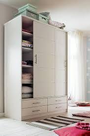 begehbarer kleiderschrank jugendzimmer gemütliche innenarchitektur jugendzimmer weiß lila begehbarer