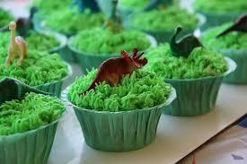 dinosaur cupcakes dinosaur cupcakes cake by me dinosaur cupcakes