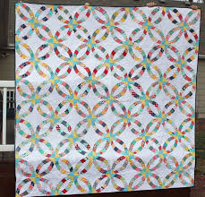 wedding ring quilt in the garden metro rings quilt a wedding ring and