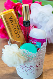 cheap gifts for basket cheap baskets for gifts 25 best gift ideas on