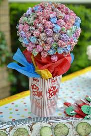 Candy Themed Centerpieces by Best 25 Carnival Centerpieces Ideas Only On Pinterest Circus