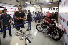 hellcat x132 dhoni ms dhoni brings the first edition of bike festival of india to an