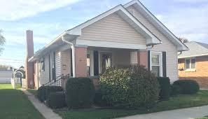 621 colescott st 3 bedroom 2 bath appliances included 2 car
