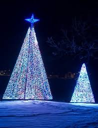 Festival Of Lights Peoria Il 30 Great Places To See Holiday Lights Midwest Living