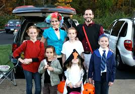 supercruzes trunk or treat the hunger games family costumes