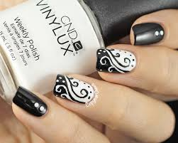 copycat claws 31dc2014 day 7 black and white swirls