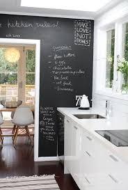 cuisine mur noir déco peinture tableau noir 8 idées à la craie decoration