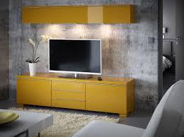 wandregal hochglanz ein wohnzimmer mit wandregal und tv bank mit schubladen alles in