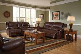 best color on wall with brown color home combo