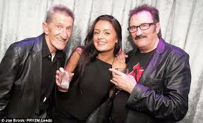 Big Penis Memes - the chuckle brothers cause hilarity with phallic optical illusion