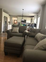 i need a sofa wall color help i don t think the couch matches