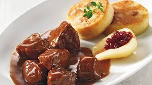 recette de cuisine civet de chevreuil civet de chevreuil galettes de pommes de terres et chouz braisé