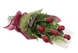 a dozen roses flowers half a dozen roses wrapped ftd florist flower and gift