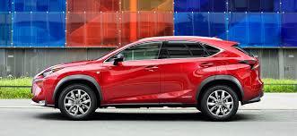 lexus nx hybrid al volante lexus nx el suv que lo ve todo motor el mundo