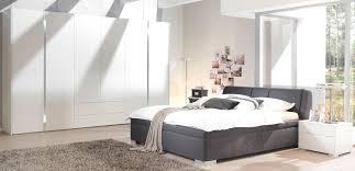 Schlafzimmer Komplett Ideen Schlafzimmer Modern Komplett Gemütlich Auf Moderne Deko Ideen Auch