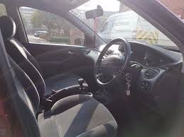 ford focus 1 6 petrol manual ghia low miles and priced to sell