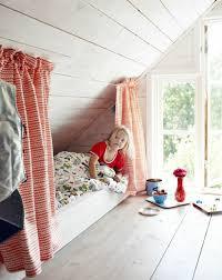 modele de chambre fille 1001 idées déco de chambre sous pente cocoon