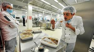 cuisine lille la nouvelle cuisine centrale met la sauce pour nourrir 8 500 petits