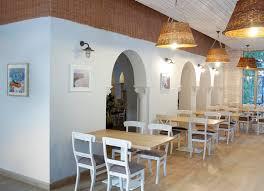 fish restaurant design brings the sea downtown