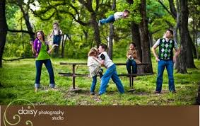 unique family photo ideas
