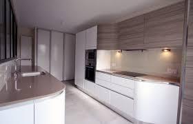forme cuisine grande étagère en bois rustique comptoir gris mat lisse meuble de