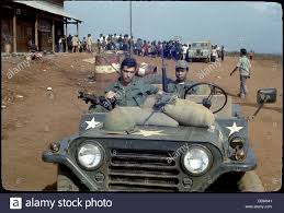 jeep vietnam gis in gun jeep with m60 machine gun in the 4th infantry