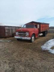 Dakota Firepit Hobby Farm Auction In Devils Lake Dakota By Dakota Auctioneers