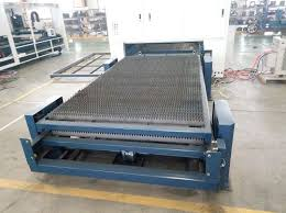 Laser Cutting Table Accurl 500w Fiber Laser Cutting Machine With 1500x3000mm Stainless